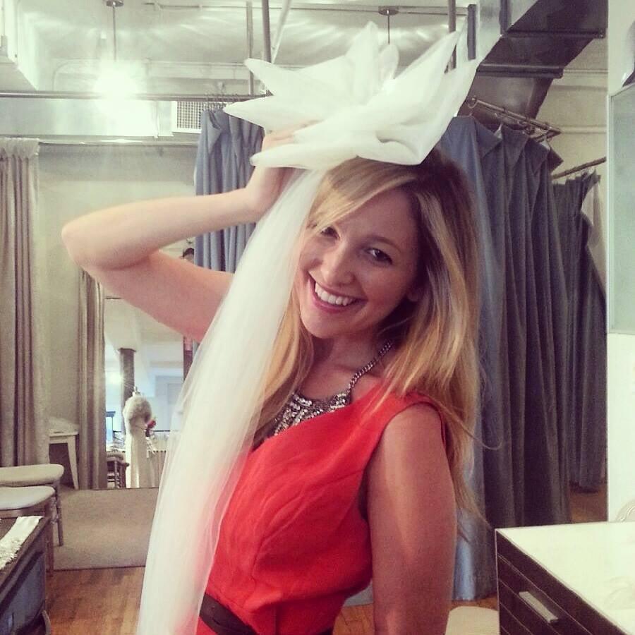 Meet the professional bridesmaid who doesn't like weddings  Picture: Jen Glantz LINK: instagram.com/jenglantz