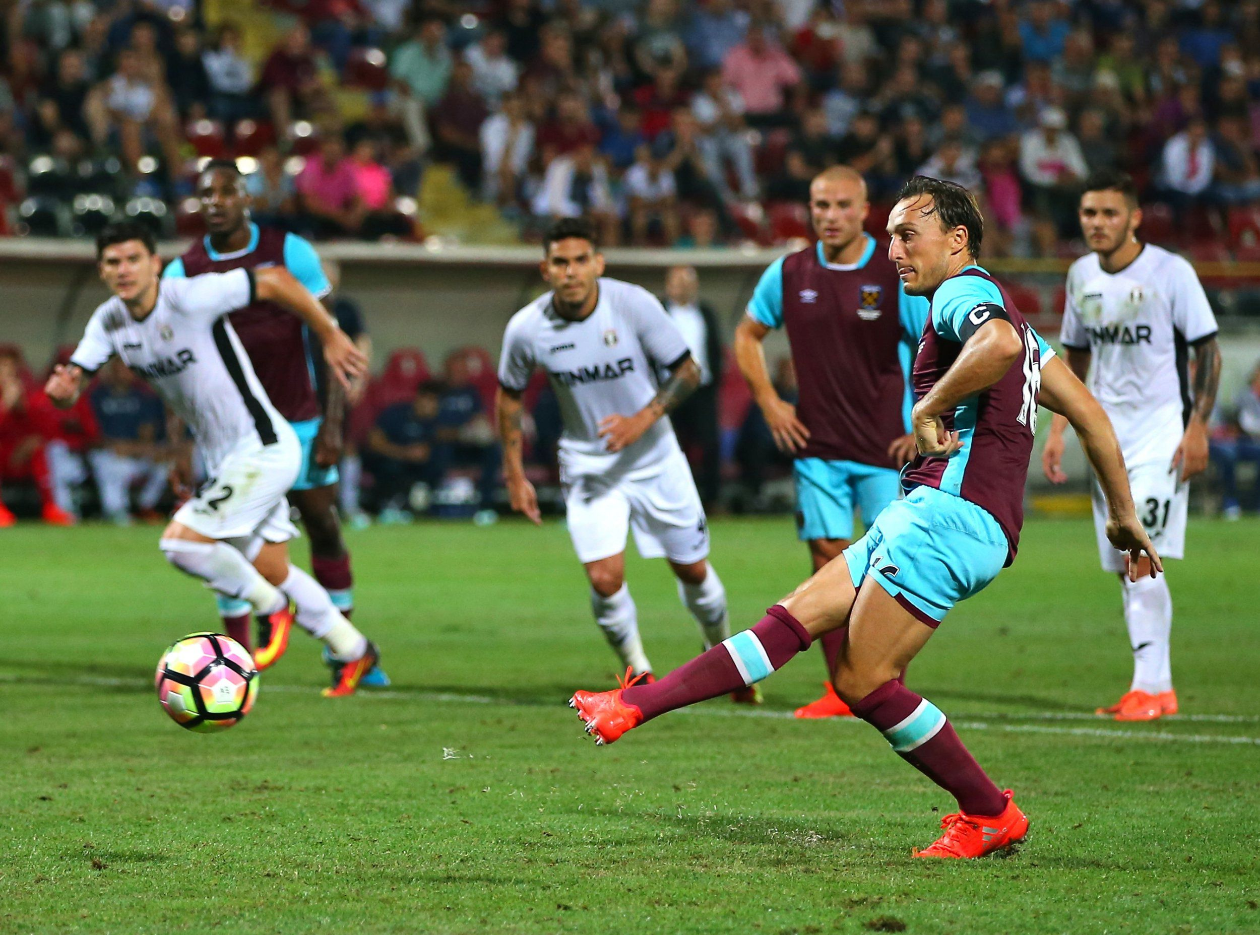 West Ham fans order Sam Allardyce to call up Mark Noble for England after early statement