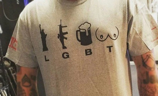 Is this the worst t-shirt ever made? Picture: Twitter REF: https://twitter.com/BindzBrain/status/769943437063909377/photo/1