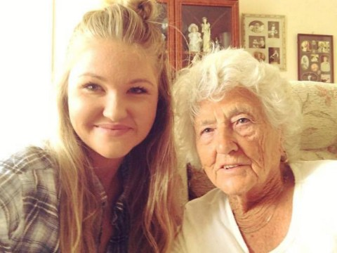 Young woman befriends 91-year-old at a bus stop – and teaches her to snap first selfie