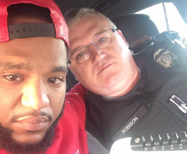Mark Ross (L) and Sgt Robison, who drove him to Detroit (Picture: Facebook/Mark E Ross)