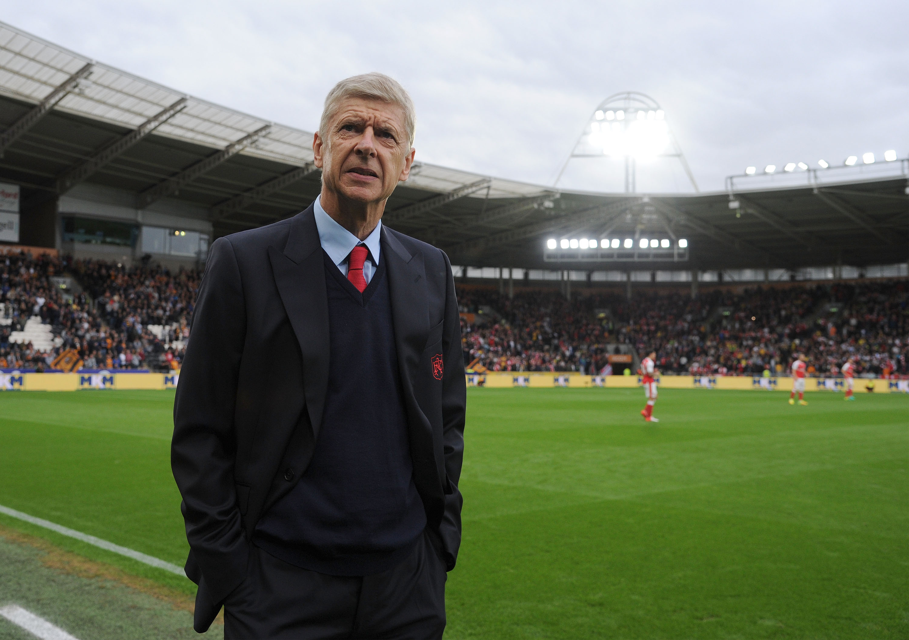 Arsenal legend Gilberto Silva warns fans about difficulty of replacing Arsene Wenger