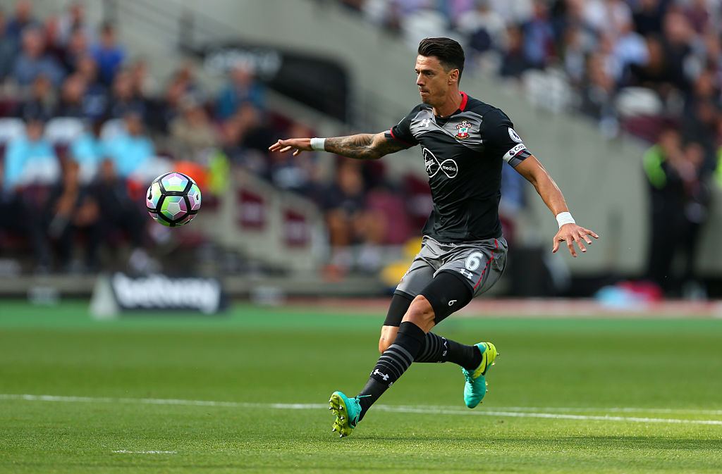 Manchester United transfer target Jose Fonte 'still waiting' for contract offer from Southampton