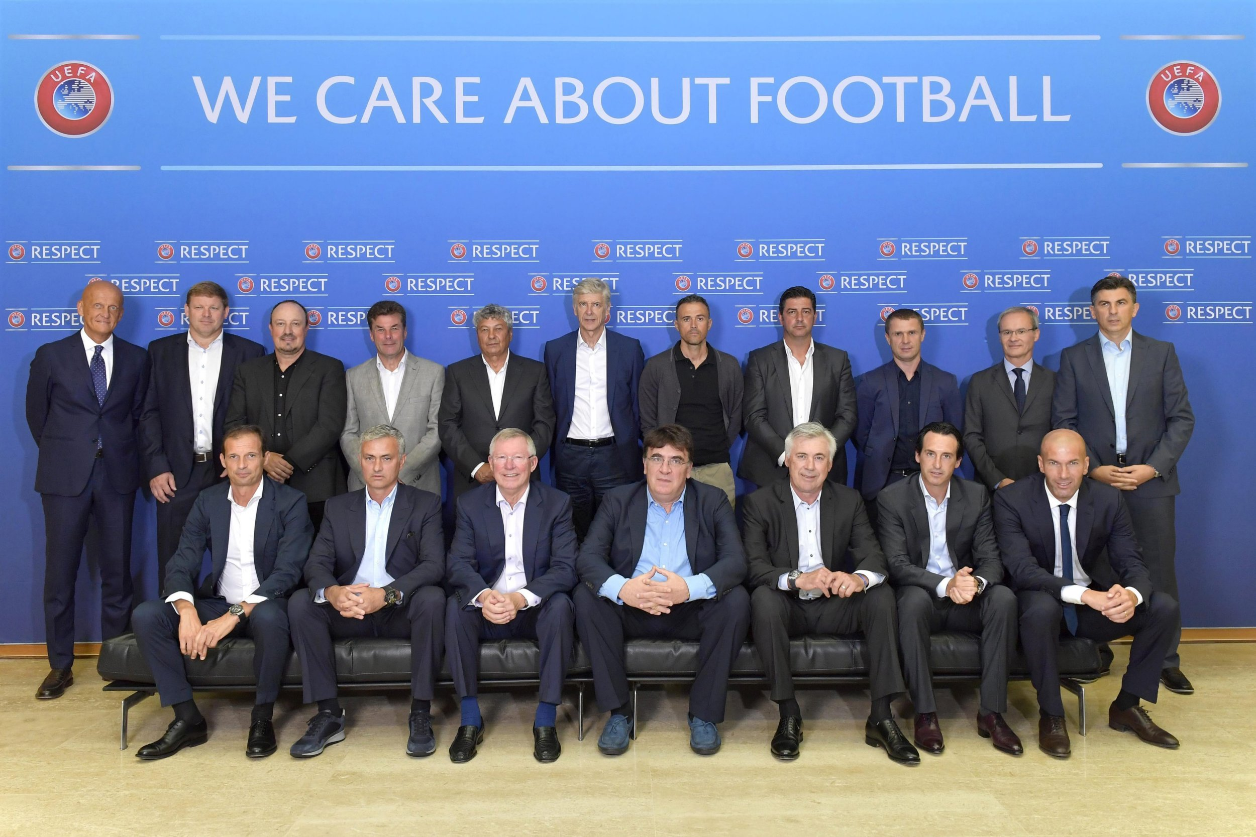 epa05517077 A handout picture provided by UEFA shows a group picture of the participants of the 18th UEFA Elite Club Coaches Forum at the UEFA headquarters, in Nyon, Switzerland, 31 August 2016.  EPA/UEFA VIA GETTY IMAGES/HAROLD CUNNINGHAM **MANDATORY CREDIT** HANDOUT EDITORIAL USE ONLY/NO SALES