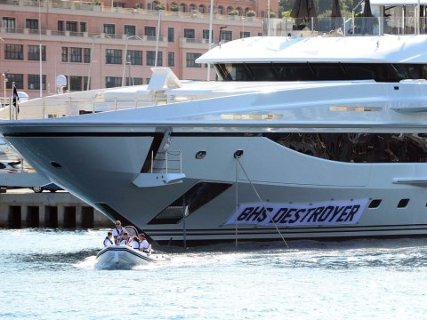 Philip Green's super yacht renamed the 'BHS Destroyer'