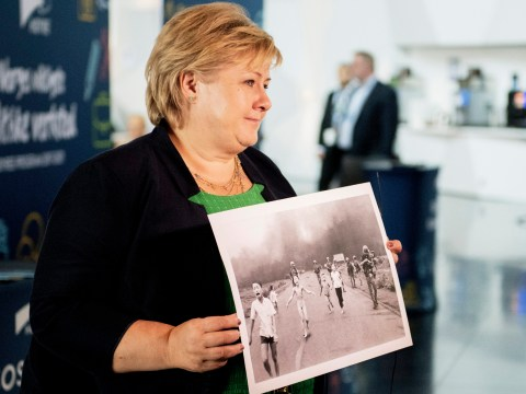 Facebook apologises for removing iconic 'napalm girl' photo