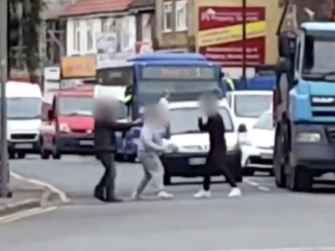 Most pathetic road rage fight ever as nobody lands any punches