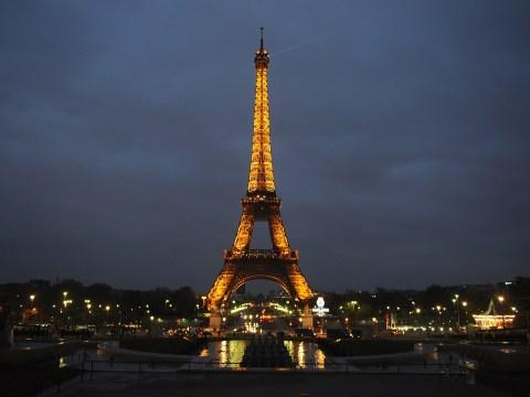 Diabetic boy 'treated like a terrorist' by Eiffel Tower security