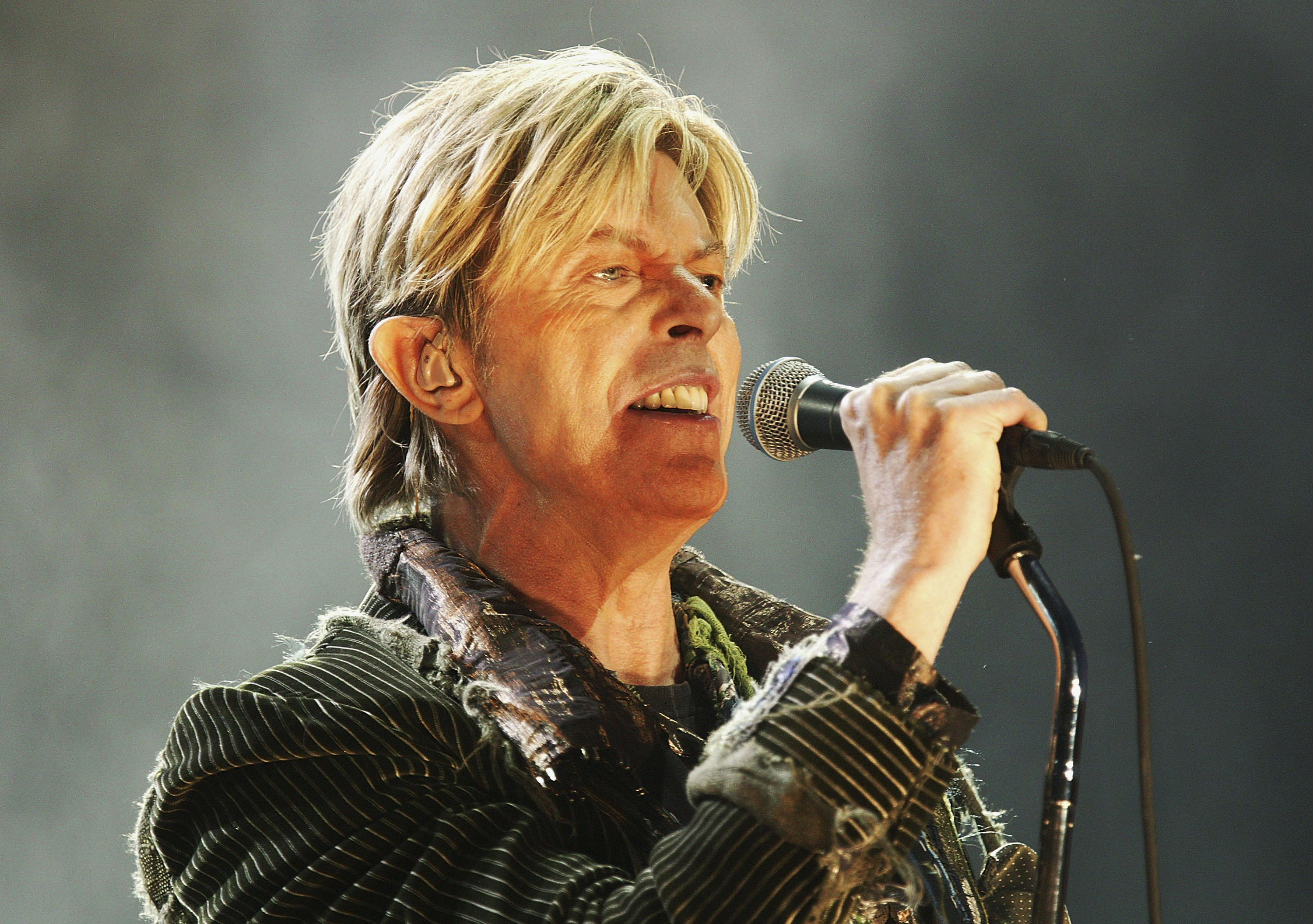 Eagle-eyed David Bowie fans have found more secrets in the vinyl version of Blackstar (Picture: Getty Images)