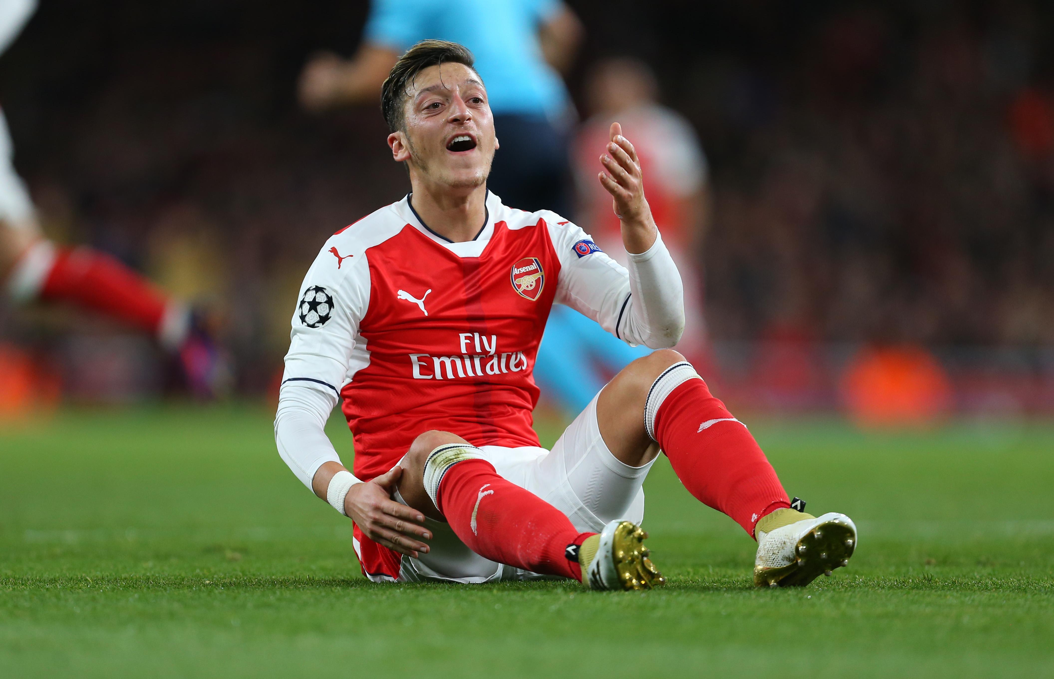 Arsenal star Theo Walcott jokes Mesut Ozil was non-existent in first-half versus Ludogorets