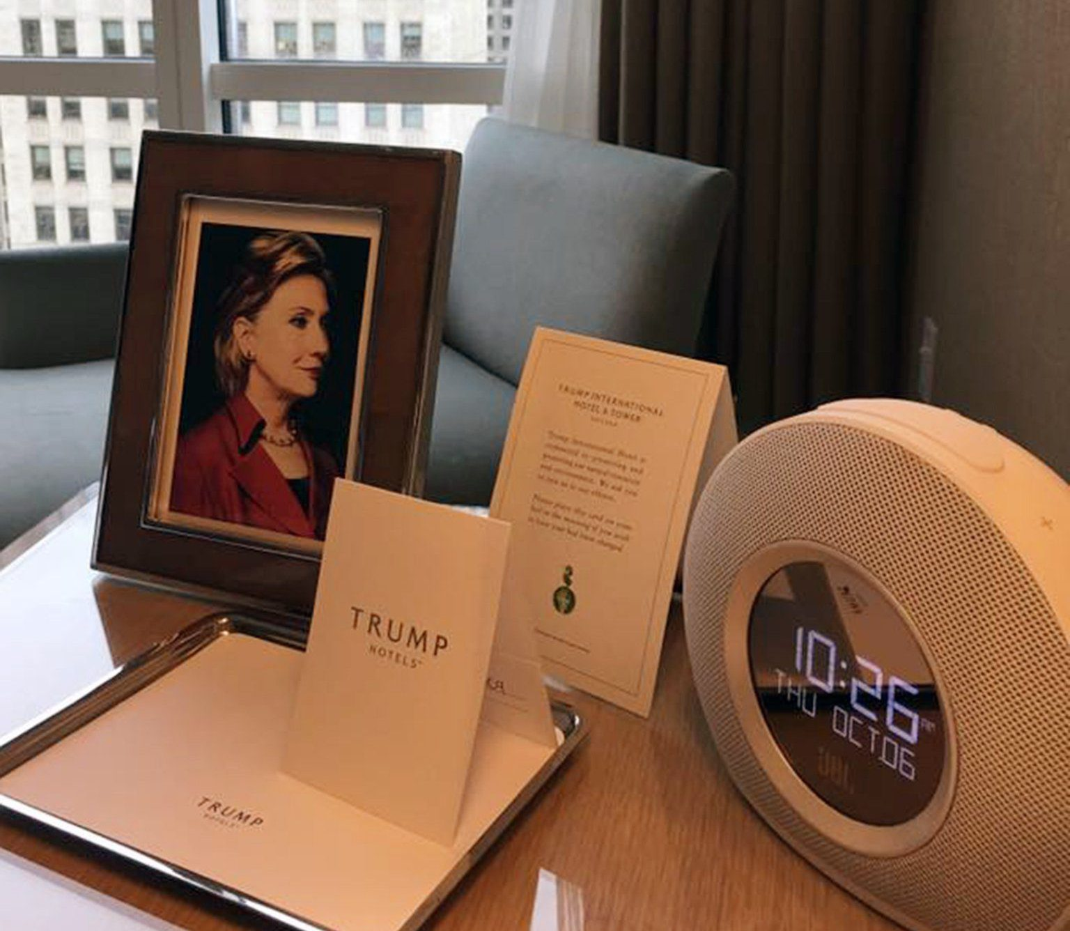 Man requests framed photo of Clinton at Trump hotel – they deliver big time