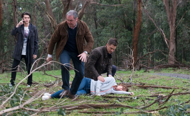 Hot air balloon disaster… Who won't survive? Neighbours Week 40- Under Embargo until 3rd October- Ep 7473