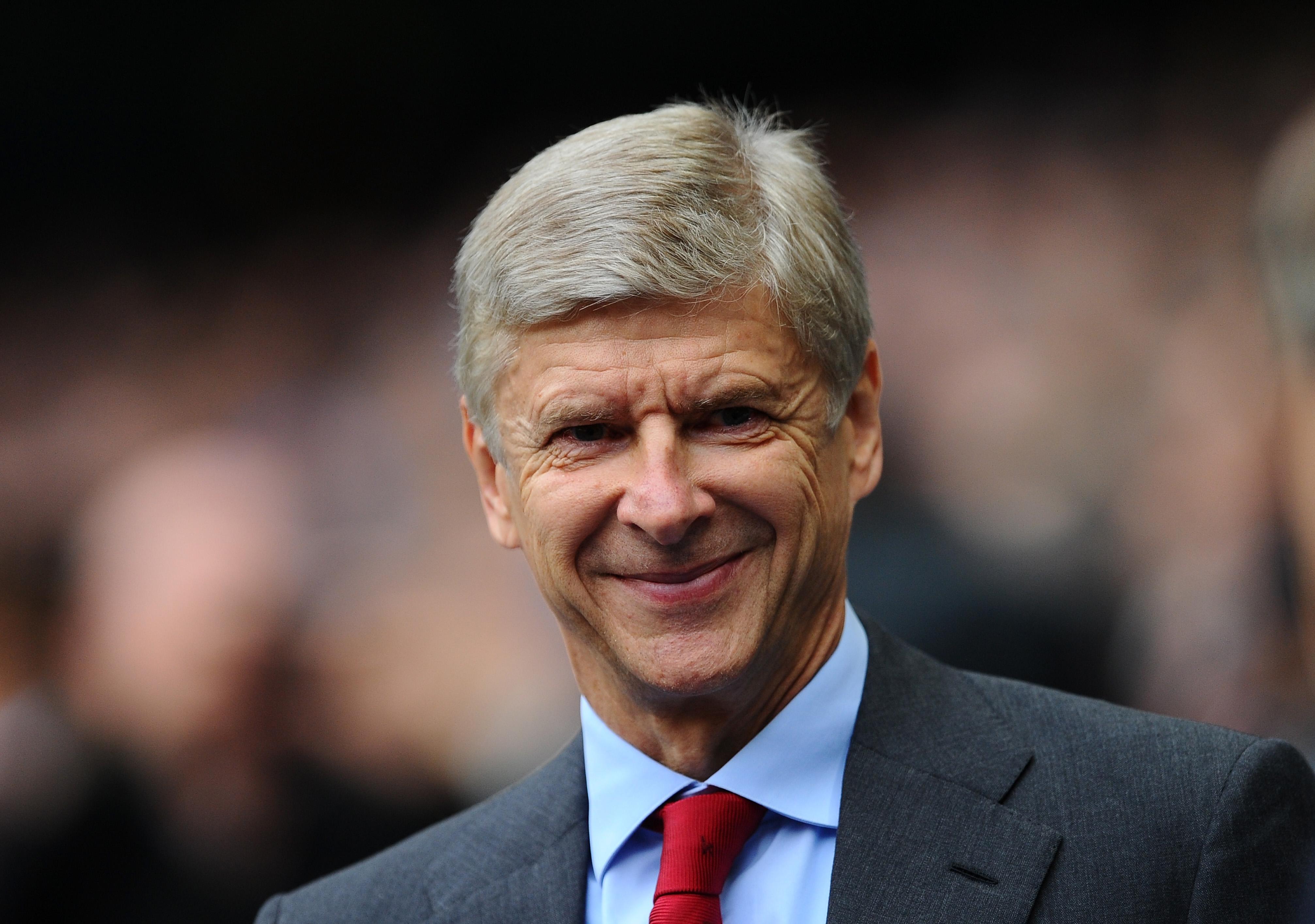 Arsene Wenger wary of Manchester United threat, despite Arsenal being favourites