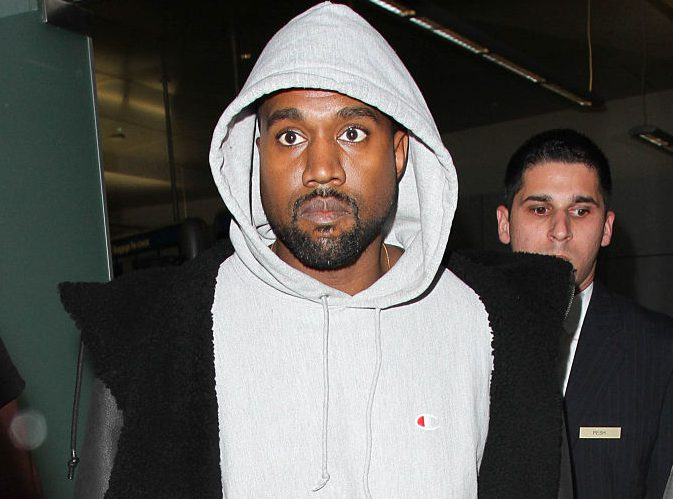 LOS ANGELES, CA - NOVEMBER 15: Kanye West is seen at LAX on November 15, 2016 in Los Angeles, California. (Photo by starzfly/Bauer-Griffin/GC Images)