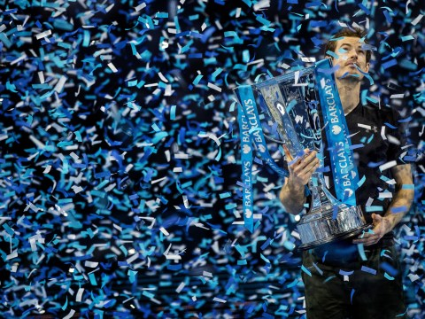 Andy Murray beats Novak Djokovic to win ATP World Tour Finals and remain world No. 1
