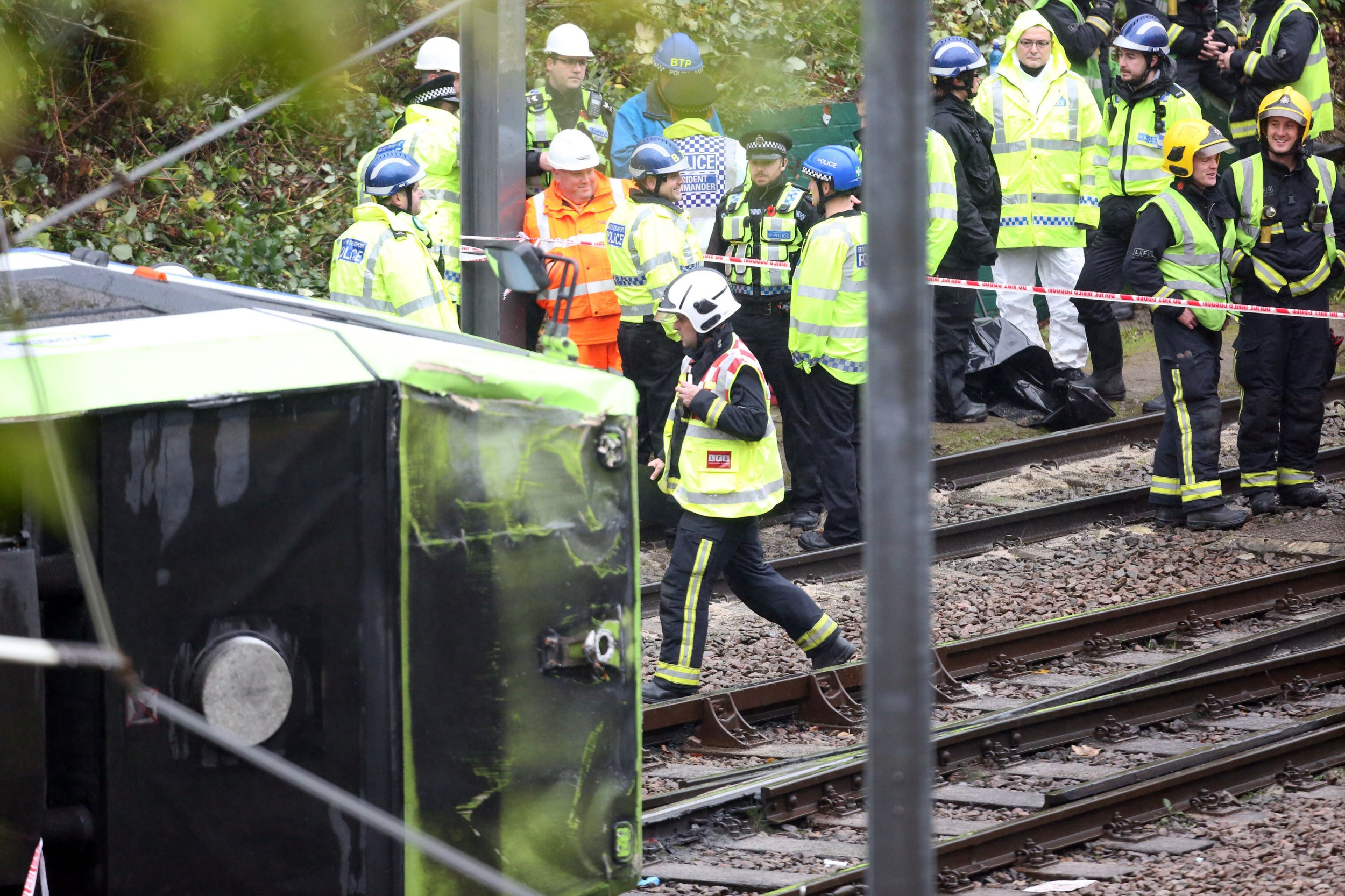 The scene after a tram overturned in Croydon, south London, trapping five people and injuring another 40. PRESS ASSOCIATION Photo. Issue date: Wednesday November 9, 2016. Police confirmed they were called to the scene at Sandilands tram stop in Croydon at around 6.10am. See PA story POLICE Croydon. Photo credit should read: Steve Parsons/PA Wire