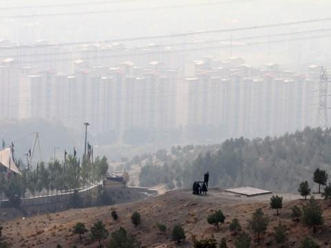 'Deadly' Iran smog shuts down schools and 'kills hundreds'