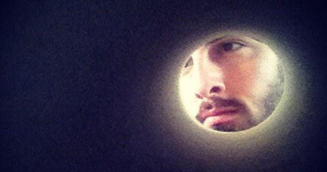 People are putting their heads in toilet roll to pretend they're the moon as part of an online challenge