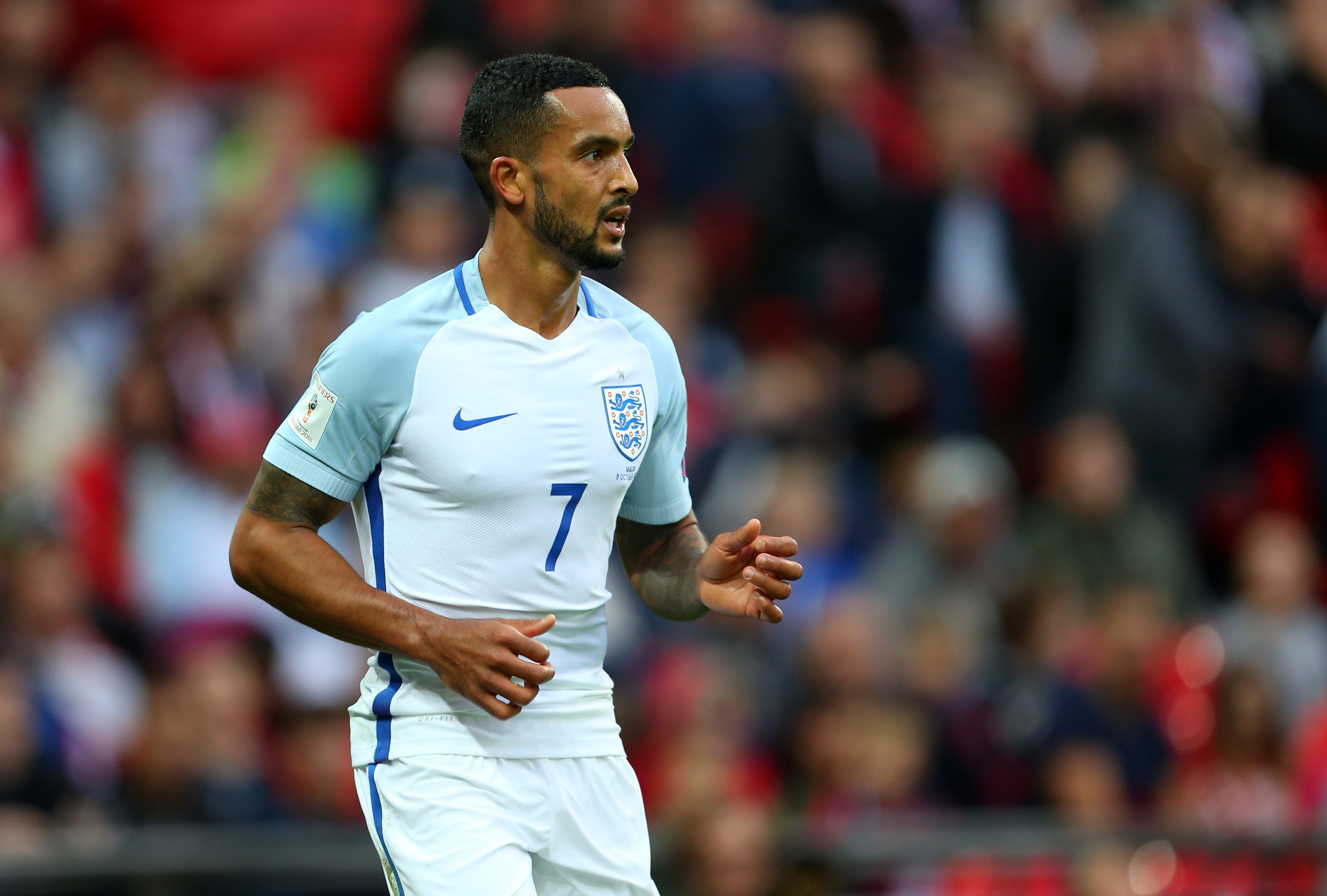 EXPOSED: Walcott loses in sprint race with Chelsea's Azpilicueta