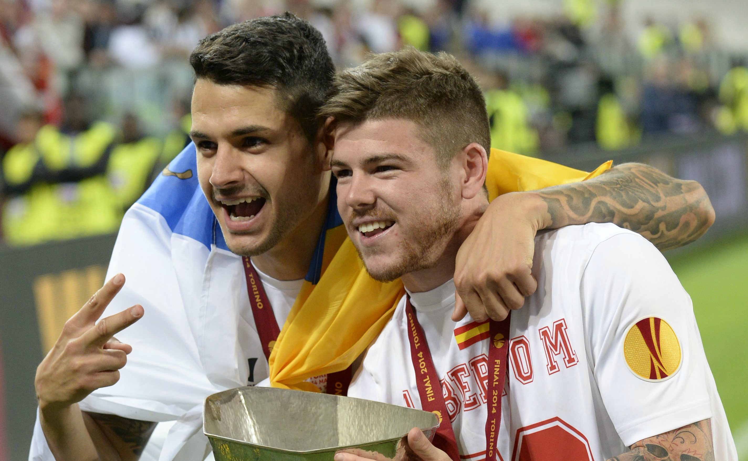Alberto Moreno is urging me to join Liverpool, reveals Vitolo