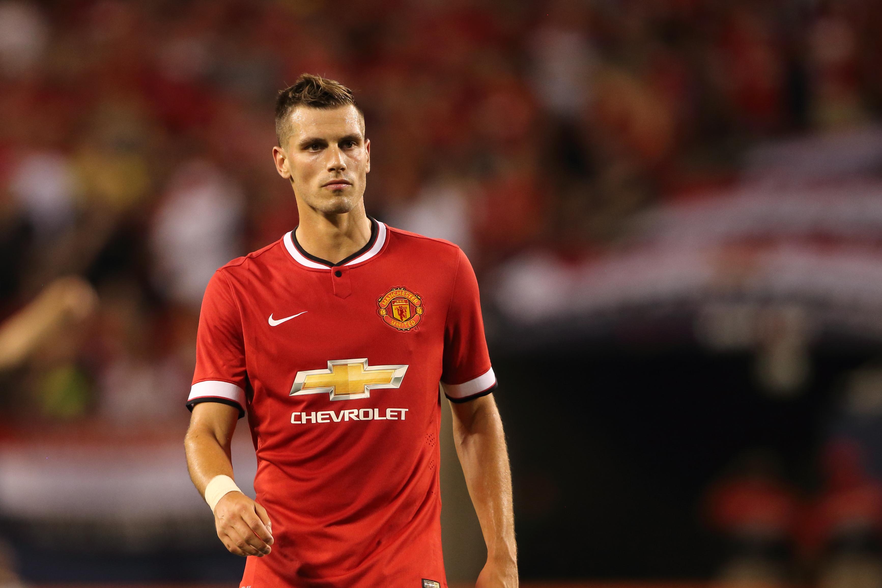 West Brom submit record £18m bid for Manchester United midfielder Morgan Schneiderlin