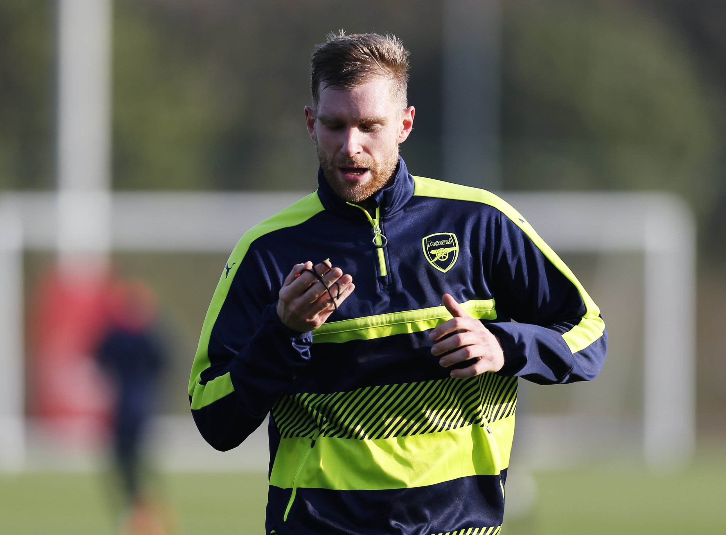 Britain Football Soccer - Arsenal Training - Arsenal Training Ground - 5/12/16 Arsenal's Per Mertesacker during training Action Images via Reuters / Matthew Childs Livepic EDITORIAL USE ONLY.