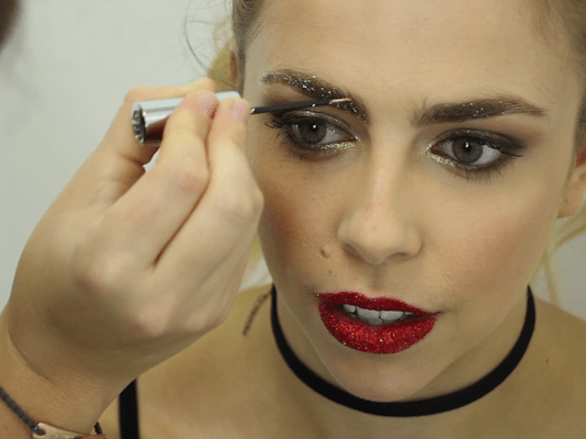 How to get glittery eyebrows with this easy video tutorial