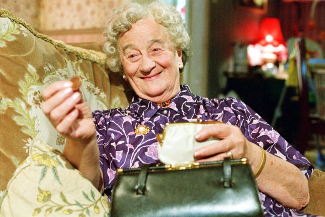TELEVISION PROGRAMME: THE ROYLE FAMILY Picture Shows:Nana (LIZ SMITH) BBC ONE, Monday, November 13, 2000 In Episode Five of 'The Royle Family', Nana (Liz Smith) gives Anthony some money to go to London .