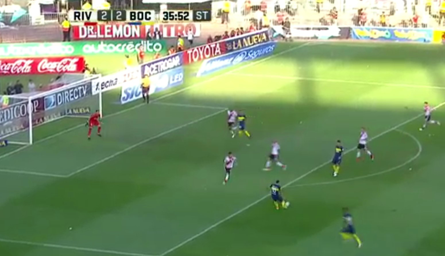 Ex-Manchester United and Manchester City star Carlos Tevez scores brilliant goals in Superclasico