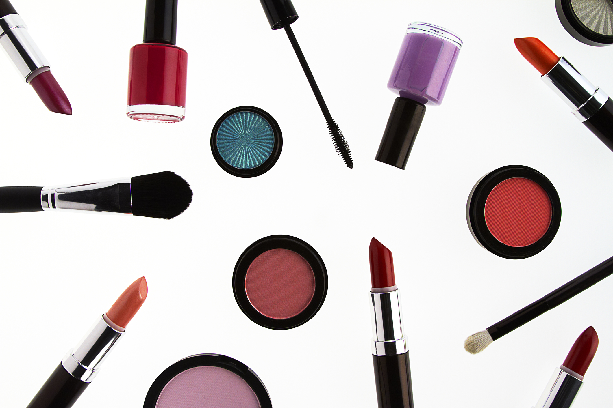 Here are the places where you can get free makeup samples