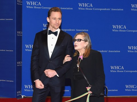 Tom Hiddleston pays tribute to 'fighter' Carrie Fisher at the Golden Globe Awards