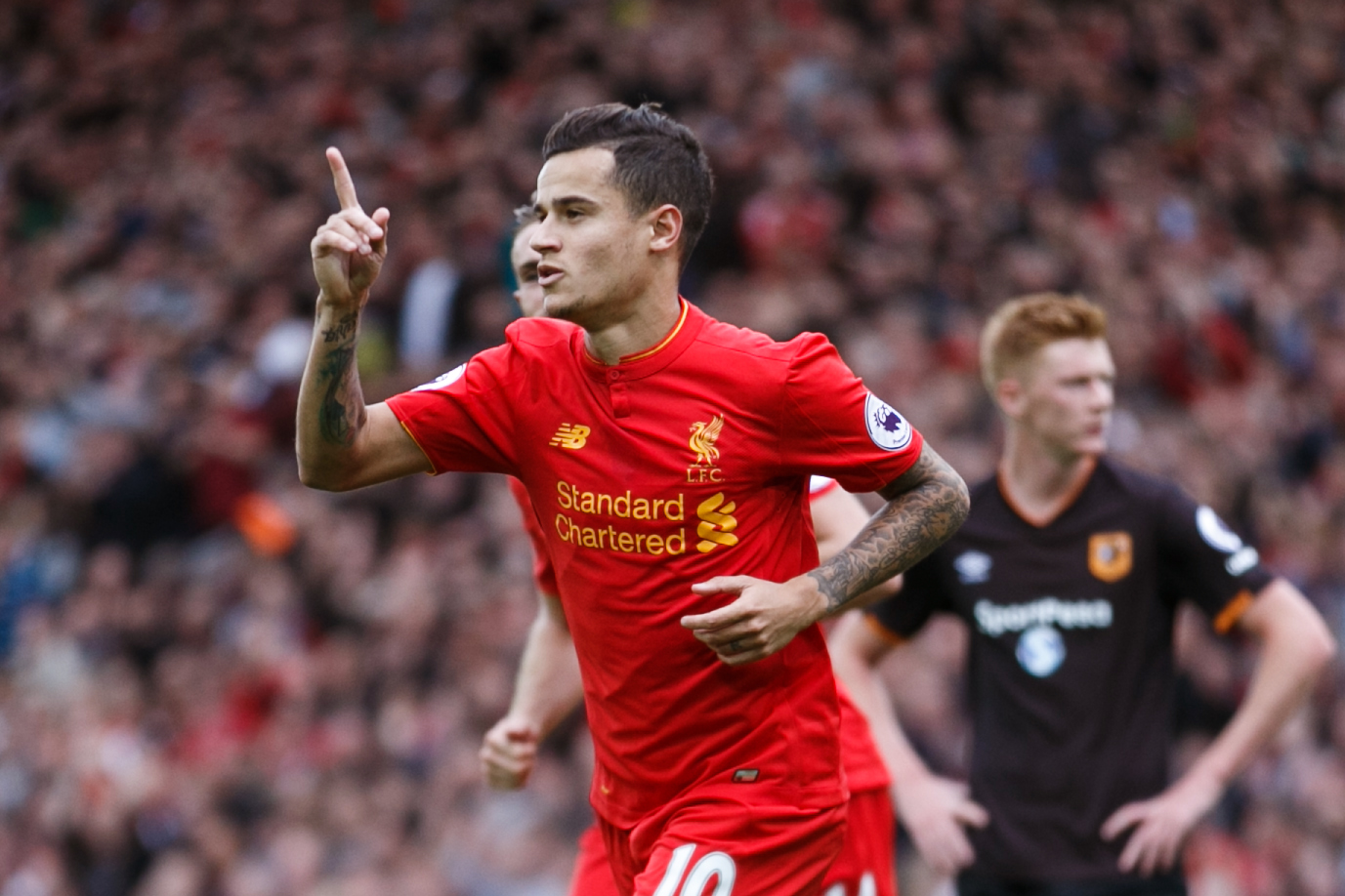 LIVERPOOL, ENGLAND - SEPTEMBER 24: Philippe Coutinho of Liverpool celebrates after scoring a goal to make it 4-1 during the Premier League match between Liverpool and Hull City at Anfield on September 24, 2016 in Liverpool, England. (Photo by Robbie Jay Barratt - AMA/Getty Images)