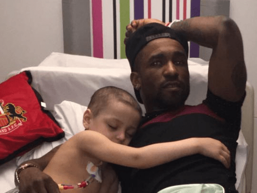 Sunderland stars pay heartwarming visit to young cancer patient Bradley Lowery