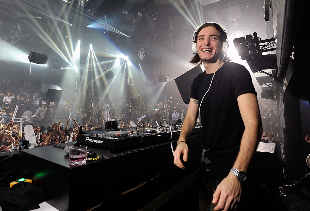 LAS VEGAS, NV - JANUARY 31: DJ Alesso performs at the Light Nightclub at the Mandalay Bay Resort and Casino on January 31, 2015 in Las Vegas, Nevada. (Photo by David Becker/WireImage)