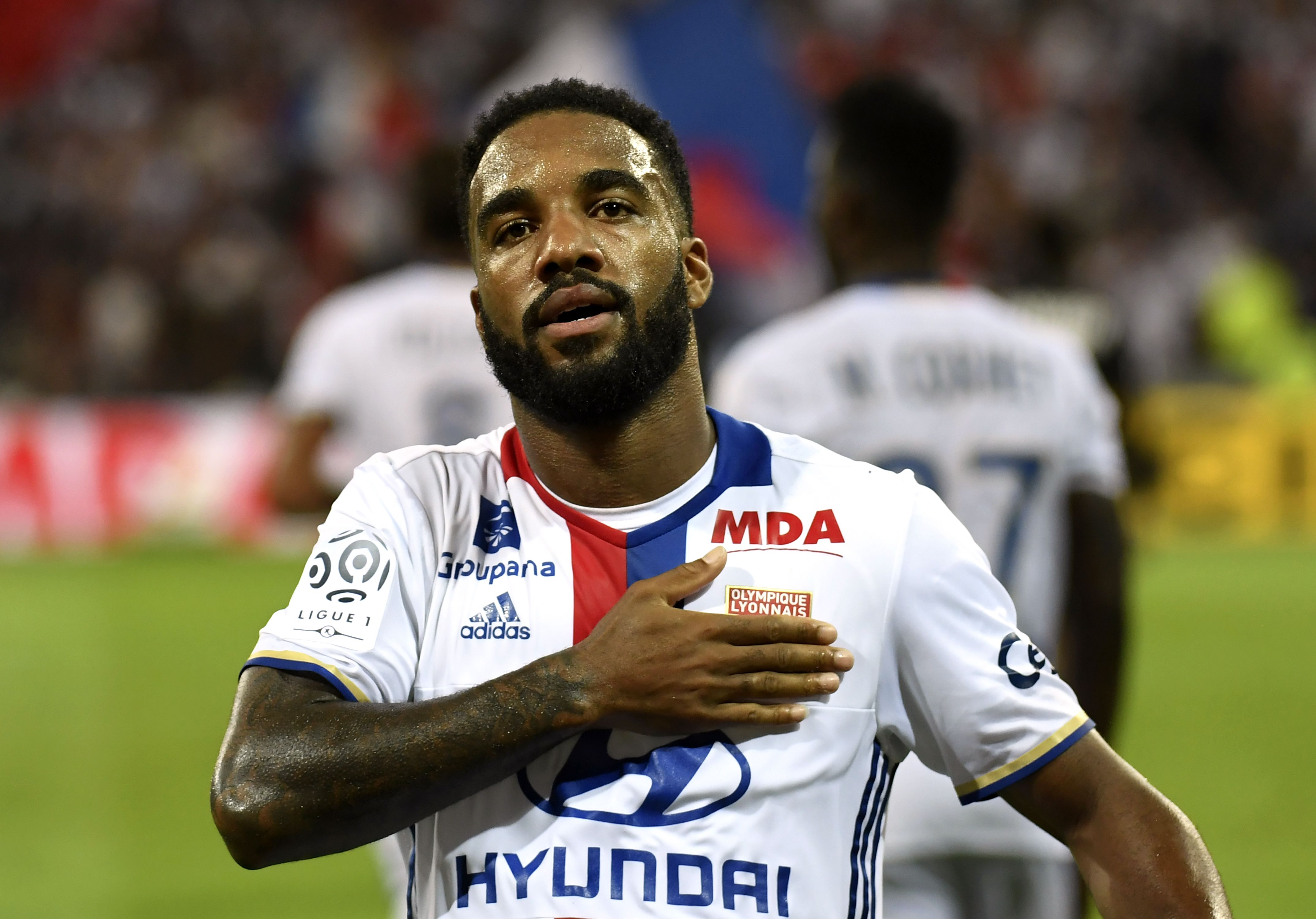 Manchester United given go-ahead to seal Alexandre Lacazette transfer – stats show why they should do it
