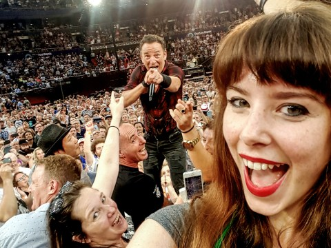 This Bruce Springsteen fan got the perfect selfie with The Boss