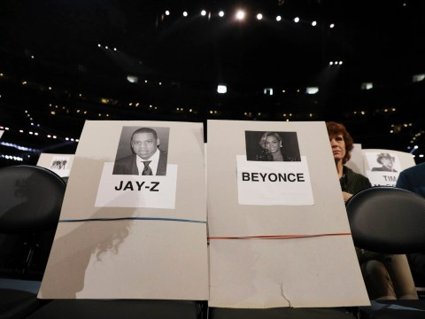 Who's sitting next to who at the Grammys? Well Jay-Z and Beyonce for starters