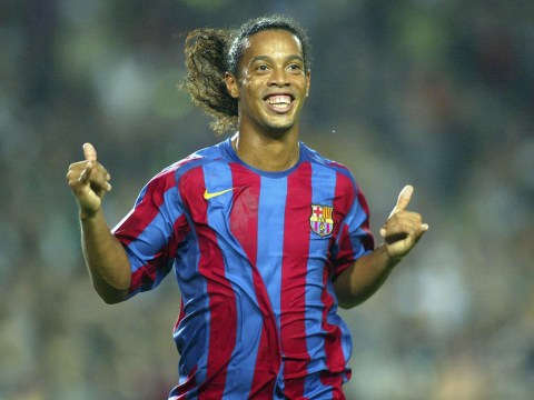 Manchester United players wanted to kick Ronaldinho after he chose Barcelona, reveals Paul Scholes