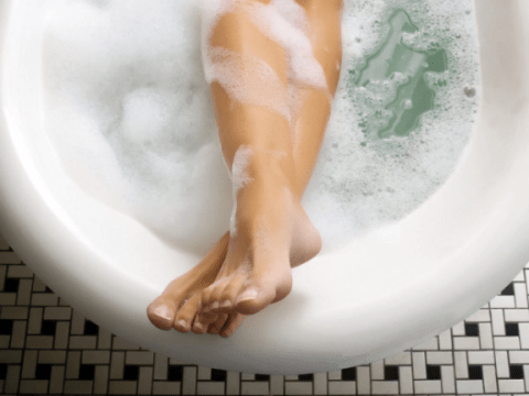 Researchers are claiming that having a hot bath may burn as many calories as exercise