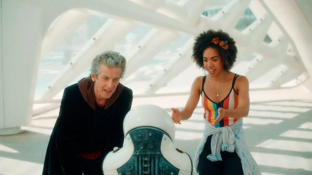 The Doctor (PETER CAPALDI), Emojibot, Bill (PEARL MACKIE)