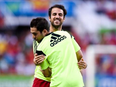 Jordi Alba asks Chelsea stars Cesc Fabregas and Pedro about life in England