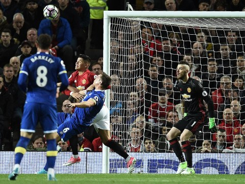 Rio Ferdinand blames Marcos Rojo for Manchester United going behind against Everton