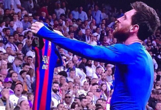 size 40 8070e 08770 Real Madrid v Barcelona: Lionel Messi taunts Real Madrid and ...