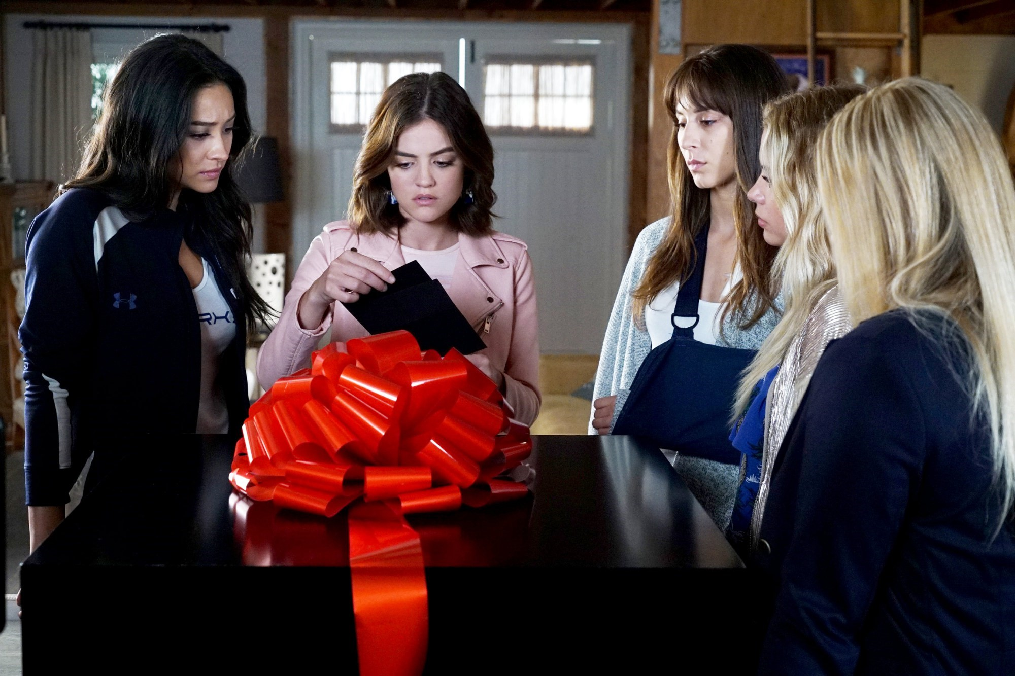 Pretty Little Liars: 10 questions we have after watching season 7 episode 11