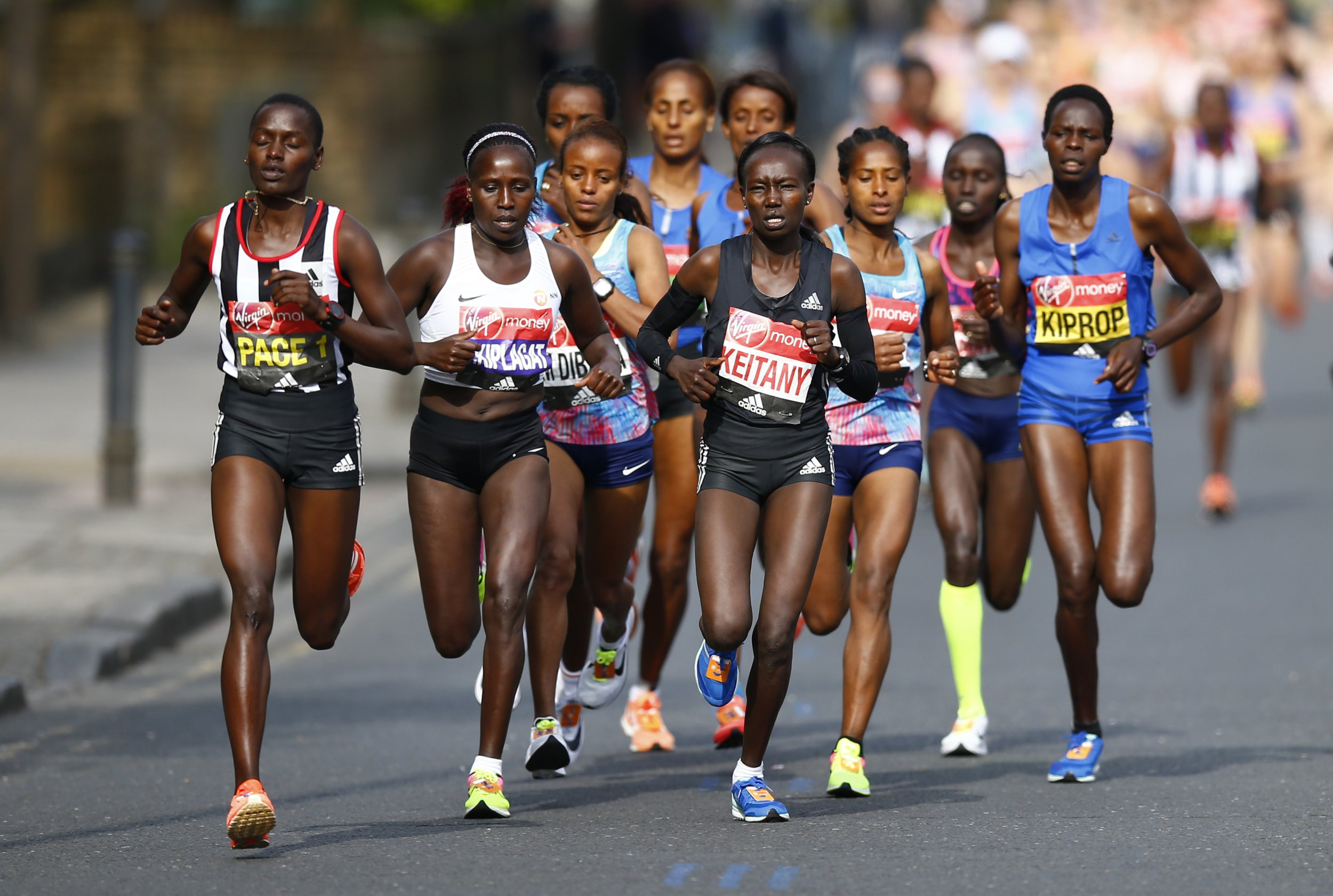 How many people run the London Marathon and what is the prize money?