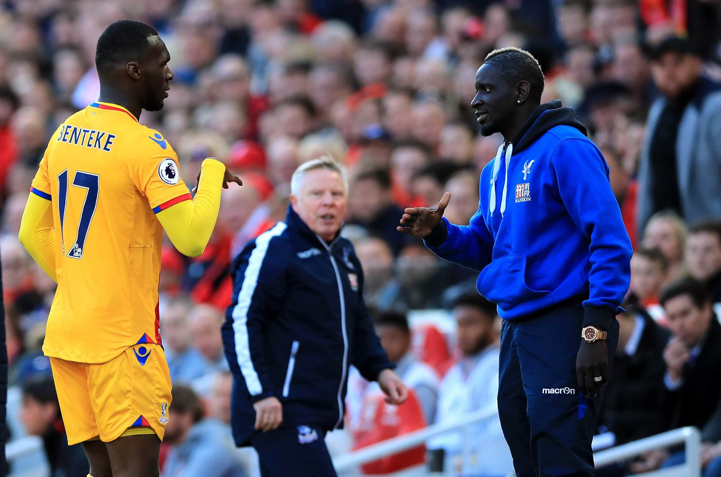 Mamadou Sakho sends Liverpool fans crazy with Crystal Palace rock-paper-scissor goal celebration