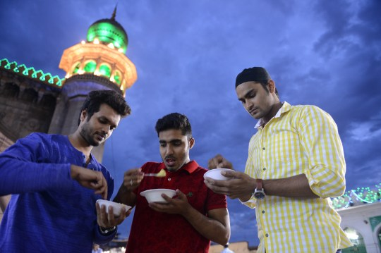 Ramadan fasting rules – what you can and can't do | Metro News
