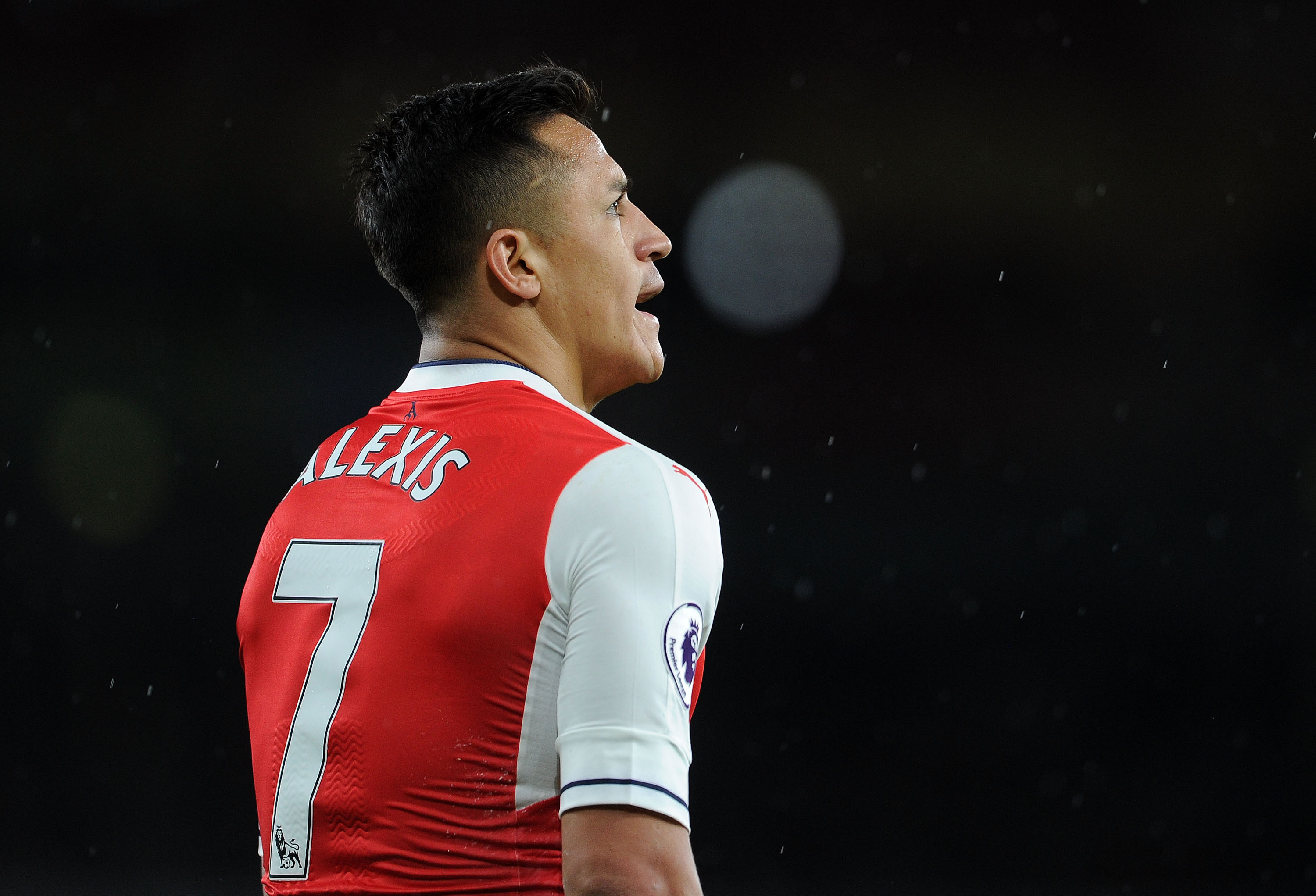 Arsenal star Alexis Sanchez included in Chile's Confederations Cup squad