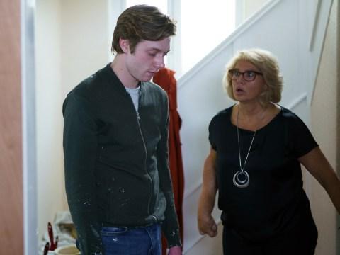 Returning Coronation Street star Denise Black stayed with Rob Mallard to get to know Daniel Osbourne