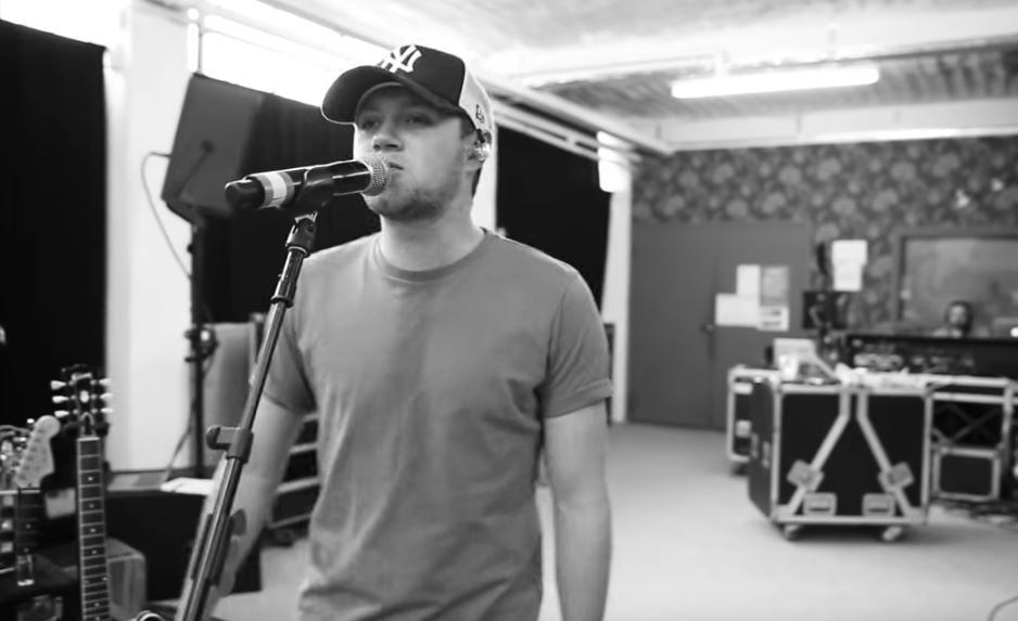 Niall Horan's lyric video for Slow Hands gives fans a cheeky look at what goes on behind the scenes